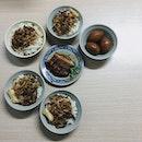 金峰滷肉飯 can never go wrong, cheap and good!