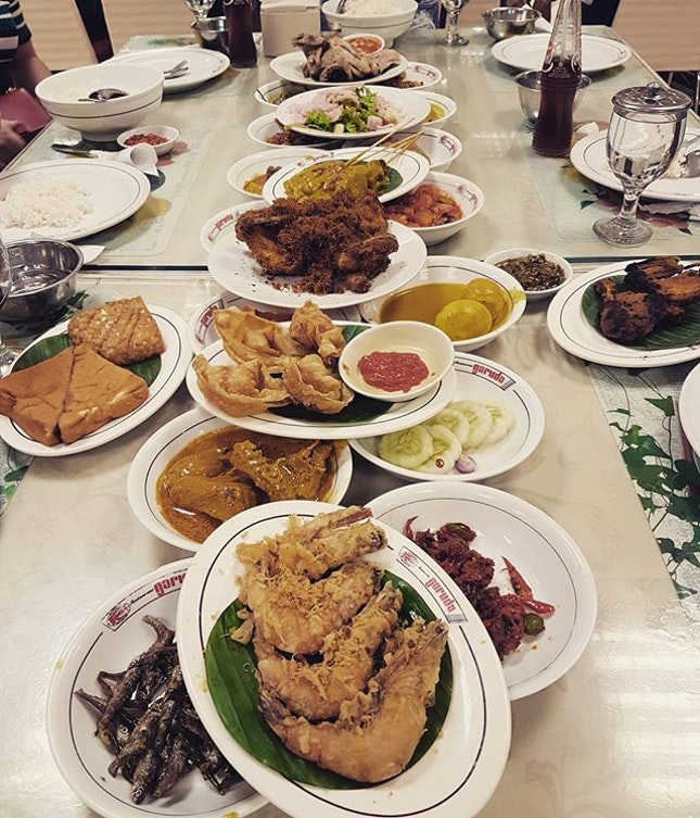 After last night's aborted attempt at Nasi Padang, we got our fix today at #PadangGaruda.