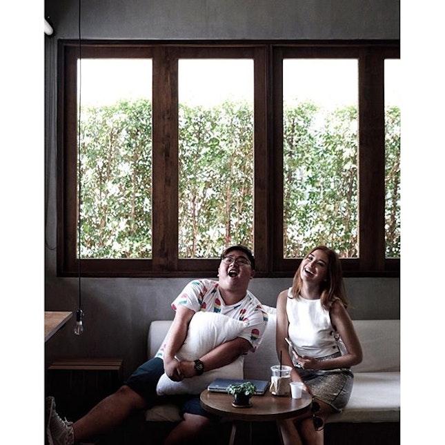 Cafe hopping with @vettyking  Credits : @n.avin  #bonappetitbkk #bangkoklife #Bangkok #bkkmenu #bkkig #thai_ig #thaistyle #thailand_ig #thaistagram #thaishopping #bkkcafe #thaitraveling #thailand_allshots #cafeteller #cafehopping #explorethehood #createexploretakeover #burpple #TSLmakan #cafebkk #postthepeople #makeportraits #portraitpage #makeportraitsnotwar #makeyousmilestyle #travelwithzippy #zippymeets
