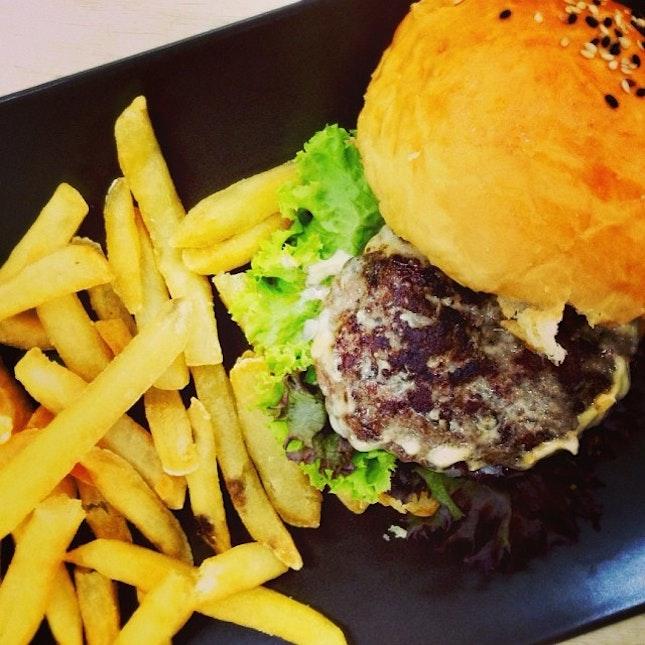 Cheese Burger.