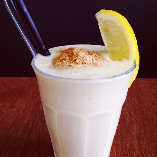 Lemon Curd Milkshake