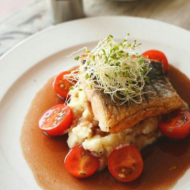 Pan's Salmon
