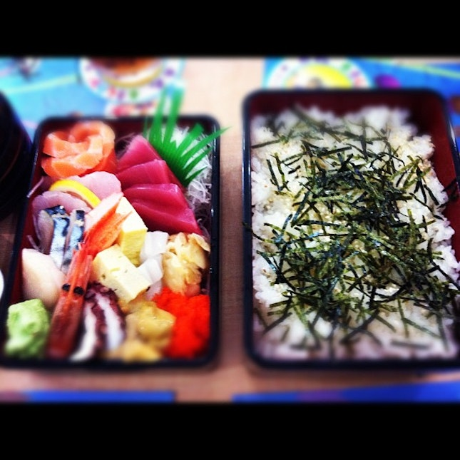 @marianmags remember this?🍚🍙🍤🍱🍣 #japanesefood #yummy #delish #crave