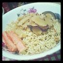 宵夜ing~ 🍜 🍜 🍜 #supper #homemade #noodles #herbalsoup #crabstick #spinachnoodle #food #foodie #bigeater #igfood #iglife #igmsia #instafood #instalife #instamsia