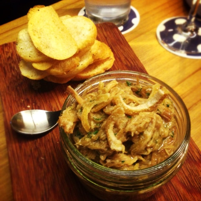 Pot Of Pulled Pork, Crackling & Duck Fat Toasts