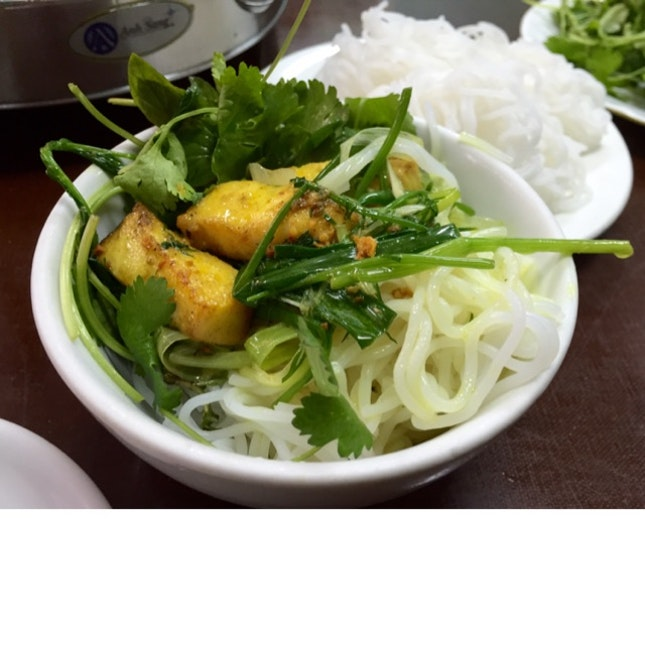 Delicious Fried Fish With Noodles