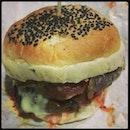 #dinner #beefchessy #burgerbakarkawkaw #fiance @bagiesofi #happyface