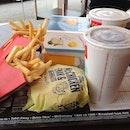 Hungry dieeee 😣😲#brunch#mcd#yummy @ngsweesiang