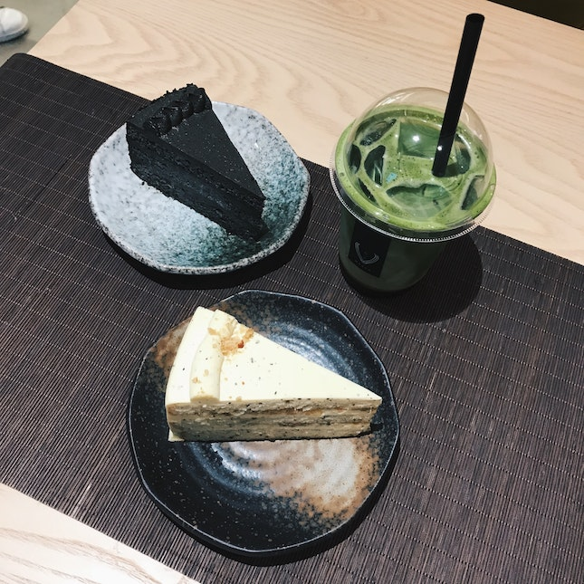 Honey Earl Grey Cake, Goma Cake & Matcha latte