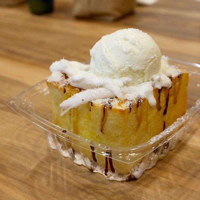 Aloha Coconut Shibuya Toast @ Tuk Tuk Cha.