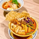 Smitten with their hearty slew of Malaysian fare, and this robust Big Bowl Curry Mee is my fav!