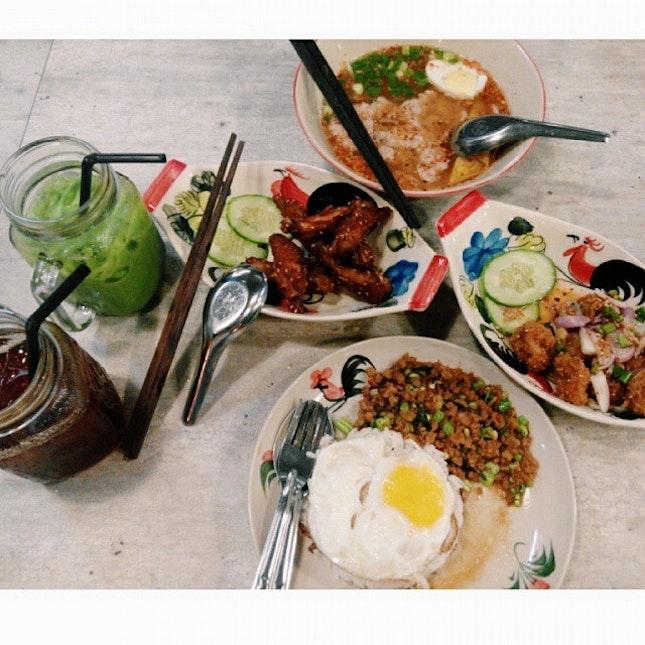 超爱这里的食物 。。😍😍 #lategram #throwback #nomnomnom #mycafediary #sgcafe #cafe #burpple #onthetable #cafehoppingsg #cafehopping #filter #vscocam #YOLO #foodspotting #sgfoodie #whati8today #hungrygowhere #instadaily #foodie #foodsg #igsg #igfood #sgig #foodporn #photooftheday #sgcafefood #llxyf