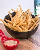 Seriously the Ultimate Truffle Fries ($10), sinfully good Fries-day treat 🍟