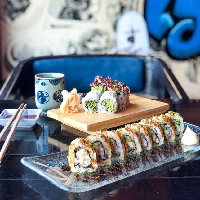 Fight Monday blues with 1 for 1 sushi rolls with @mastercard!