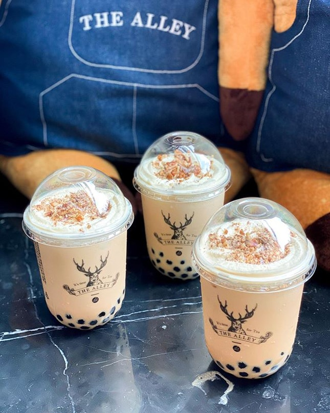 @thealley.sg just launched their Tea Latte Series, having 1 for 1 for this from 8/11 - 10/11 and 15/11 - 17/11 (for the first 100 people in line!!).