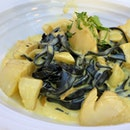 Squid Ink Pasta With Scallops And Saffron Cream Sauce