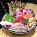 🍣How pretty is this Sashimi Moriawase?