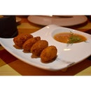 Finally a break from CNY food, crab croquettes served with a thai chilli dip.