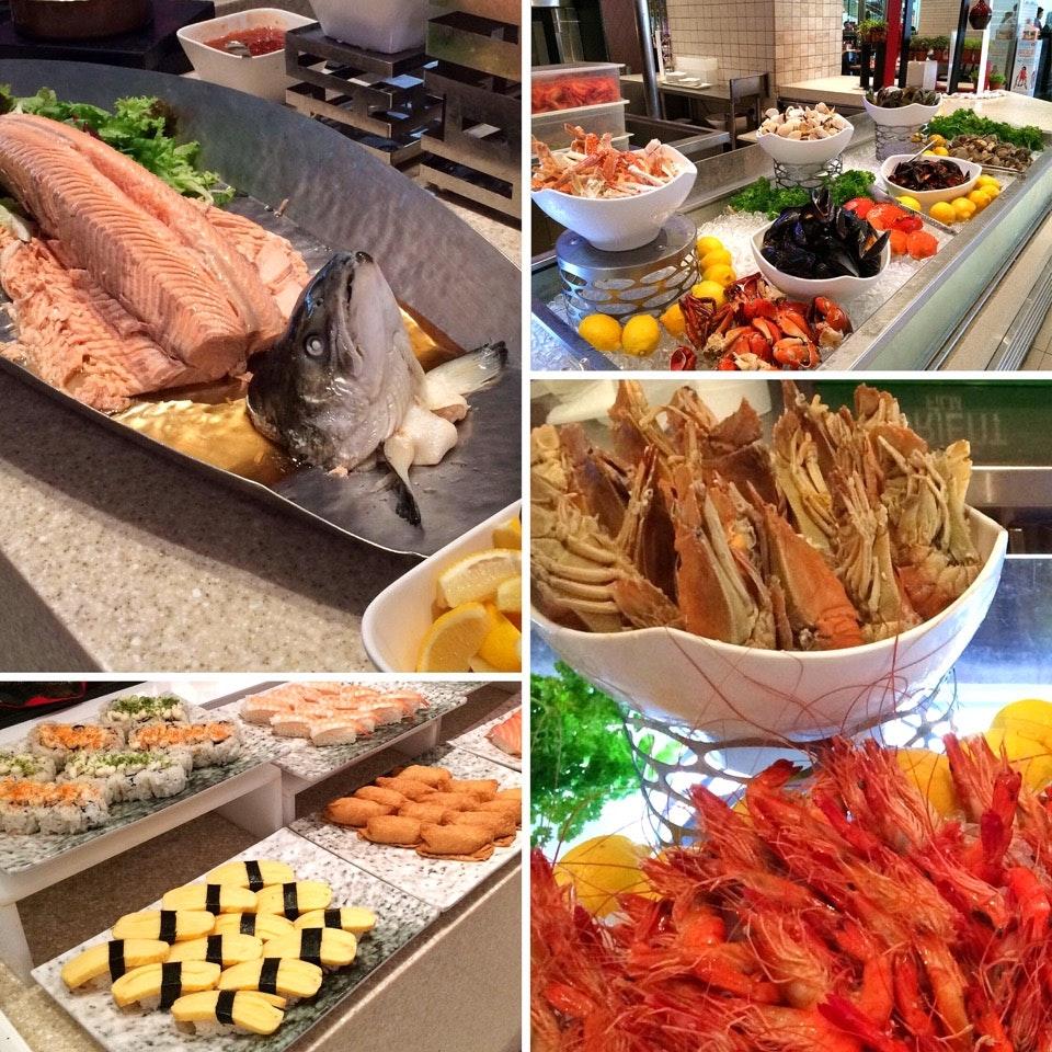 Weekend Lunch Buffet $60++