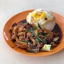 Gong Bao Chicken Rice w/ Egg $5.7
