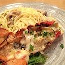 Lobster Gratan to Kinoko no Cream Pasta