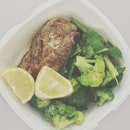Yellow-green Tuesday :) #vsocam #healthy #eatclean #table #packedlunch #food #noms #fitness