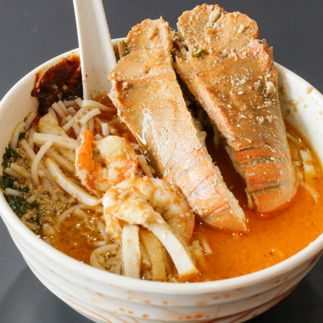 New Outlet in Paya Lebar Sells Crayfish Laksa