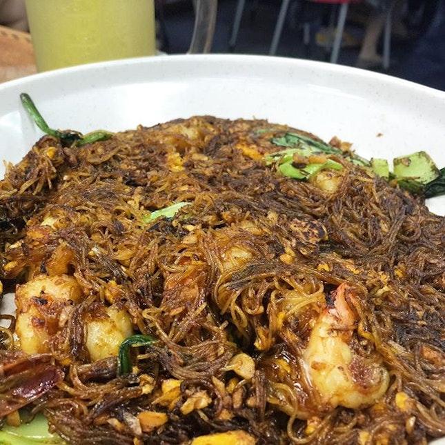 太子米粉 or Crown Prince fried bee hoon.