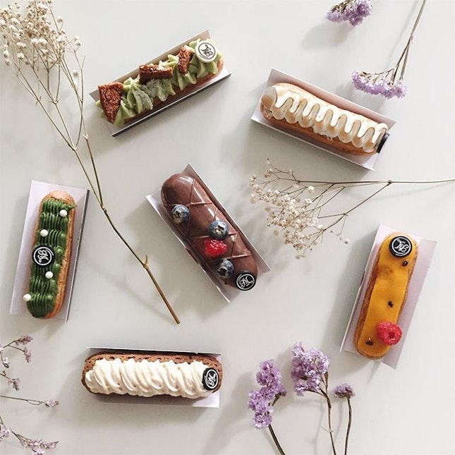 Always have room for #dessert, especially when they're #eclairs from @leclairpatisserie 🙃 clockwise from top: Kaya, lemon meringue, mango passionfruit, baileys cheesecake, matcha, earl grey.