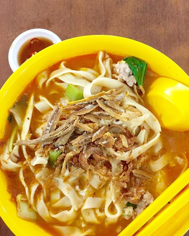 Happy lunch spells #tomyumbanmian and #mmzj for a happy tummy.