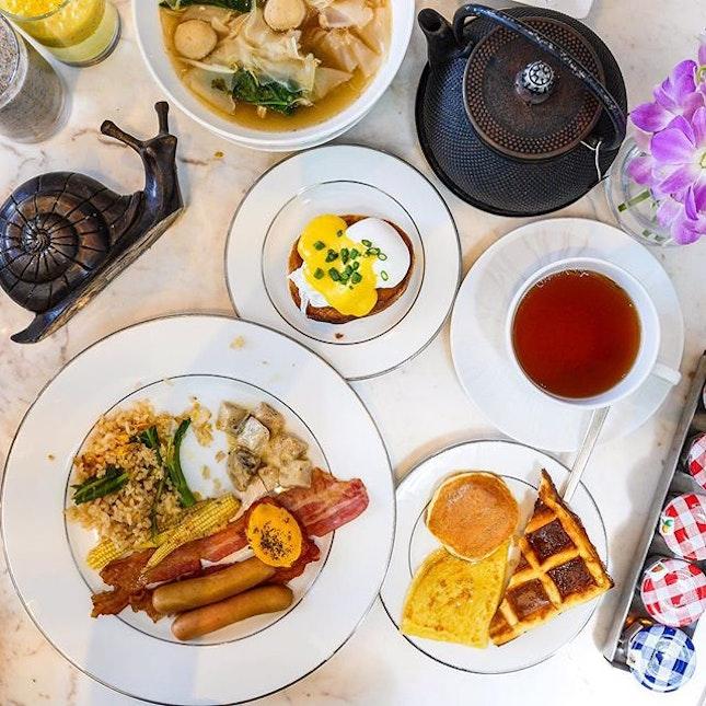 This morning's situation - Woke up to a fabulous breakfast spread at @sofitelbangkoksukhumvit.