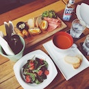 Cold Platter x Strawberry Spinach Salad x Smoked Tomato Soup