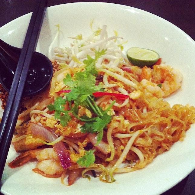Phad Thai - Absolute Thai #lategram #tgif