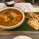 Thai Curry With Roti Prata