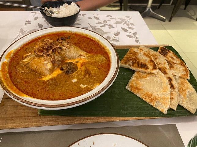 Thai Curry With Roti Prata