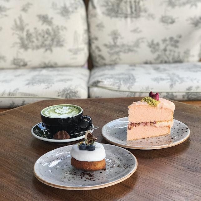 Honey Chamomile And Rose Pistachio Cake With Matcha Latte 🌹🍯