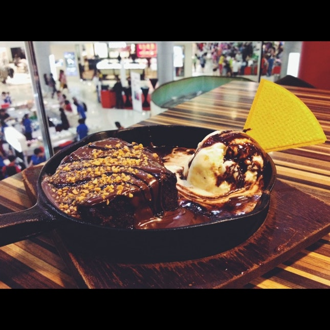 Empire State Sizzling Boston Brownie