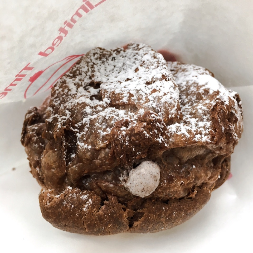 Strawberry Cookies & Cream Cocoa Puff