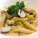 Grilled Chicken with Mushroom Pasta