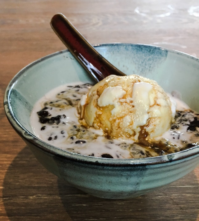 Pulut Hitam with Coconut Ice-Cream