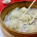 小笼包 😍 Some comfort food to prep me for the tough week ahead.