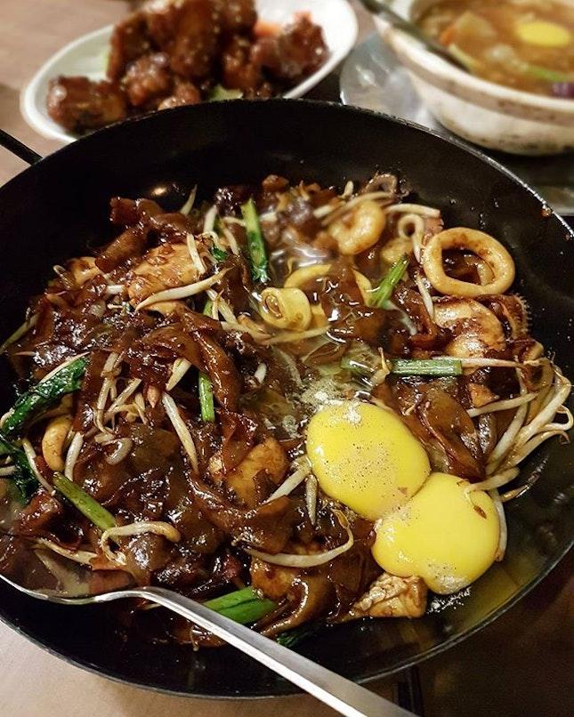 {Moonlight Hor Fun}  This dry hor fun definitely has the wok hei!!