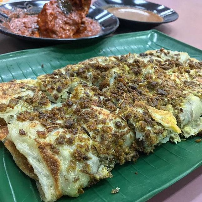 ZamZamZaaaaaammmingggg with two of my loves - the  Beef + Mutton Murtabak and Masala Curry Chicken 😍  @igsg #igsg #singapore #foodpornasia @burpple #burpple #setheats #eatoutsg #sgfood #foodsg #sgfoodie #singaporefood #singaporeeats #hawkerfood #hawkerfare #eatlocal #jiaklocal @sgfoodie @singaporeeats #breakfast #brunch #supper #currychicken #curry #murtabak #zamzam #singaporezamzam