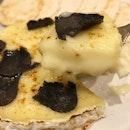 Aburi Camembert Cheese with Truffles - soooooooo damn good, i could have finished the entire thing myself!