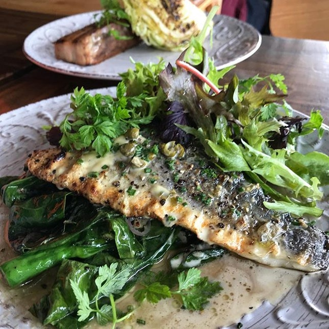 Mediterranean Grilled Seabass ($25) cos I wanted to try something healthier *major rollseyes at myself*.