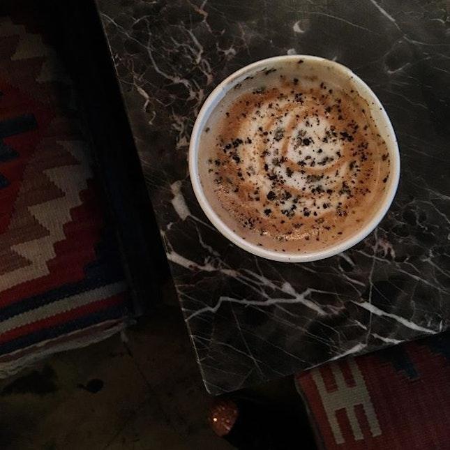 Black pepper agave latte (HKD55)