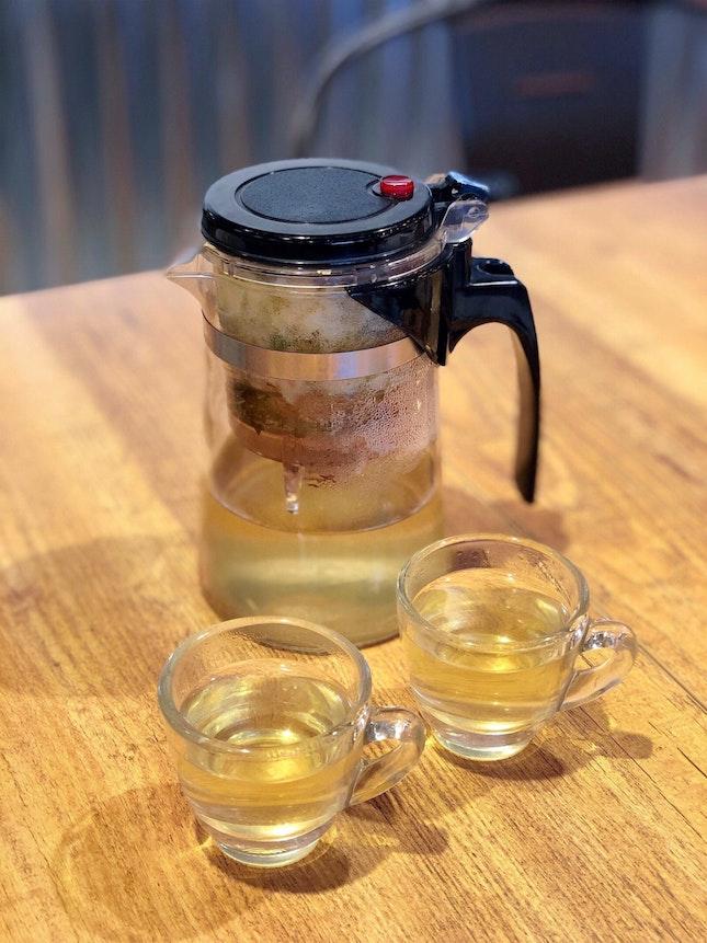 Jasmine Floral Tea 茉莉花茶 [$6]