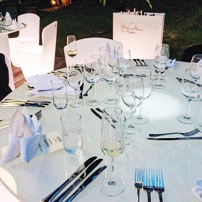 Pre-Diner en Blanc tonight at the French Ambassador's residence.