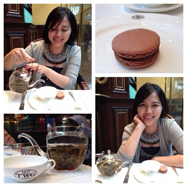 A #sweet way to end the #lovely #day out 💛 @megansmy #friends #hangout #mbs #twg #tea #instalife #instahappy #yestergram