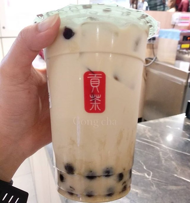 Yay to klook insane 90% deal, managed to purchase this oolong milk tea with pearls at only 30 cents!